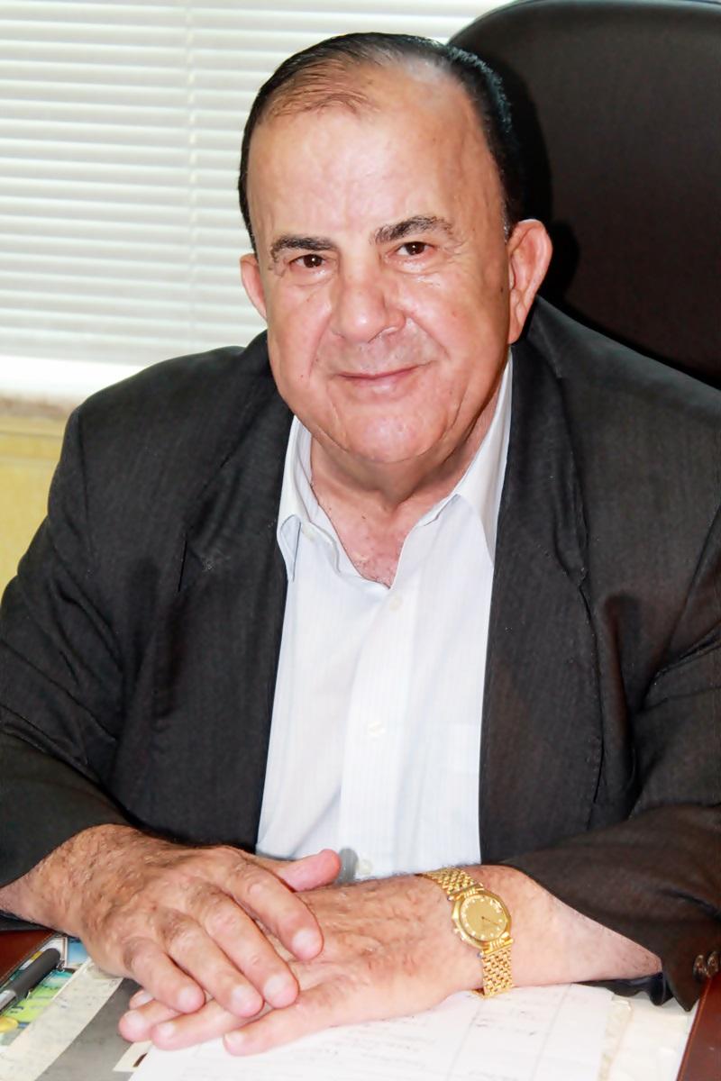 دكتور  عادل شريدة جراح المخ و الأعصاب