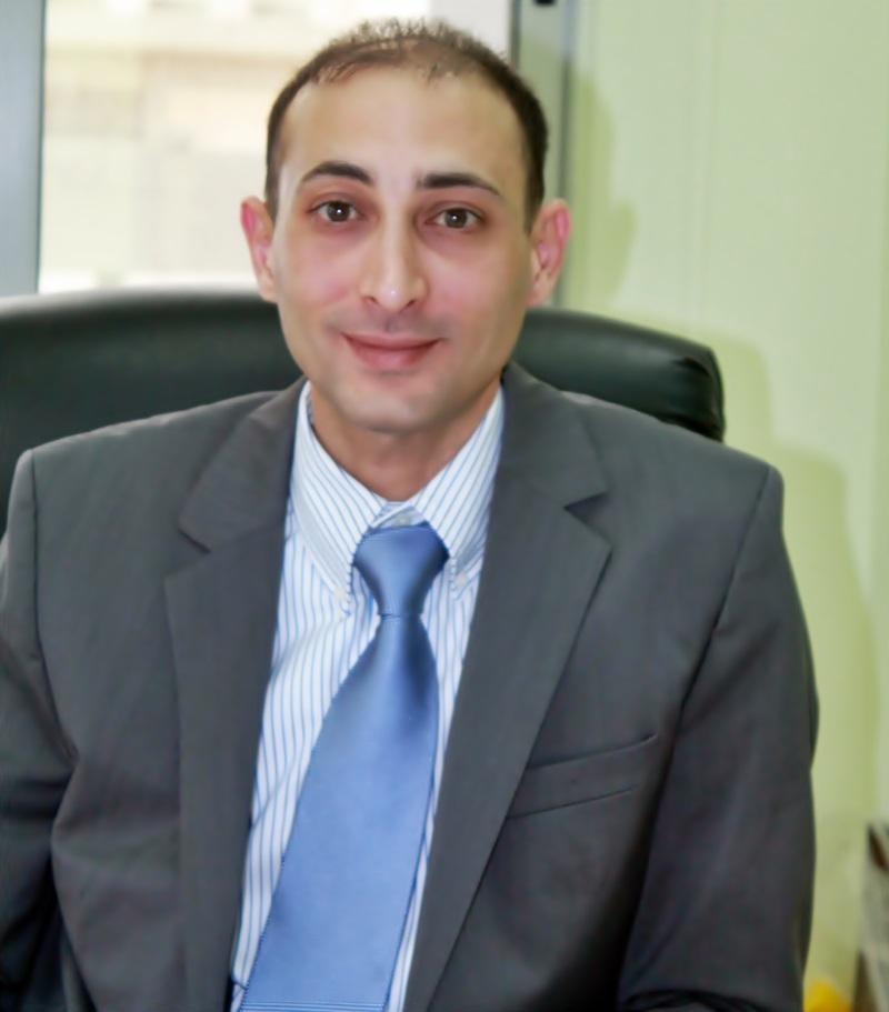 دكتور  نادر حجازي دكتور الأمراض الصدرية